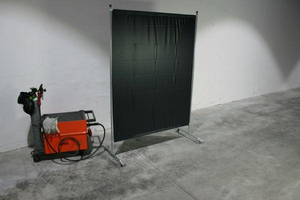 EURO Wand mit Stahlrohrgestell, 4 Rollen, 1,40 x 2,00 m, PVC Vorhang grün R9
