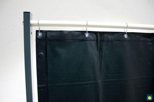 PVC-Vorhang Schutzstufe grün R9, 1,40 m breit, mit 7 Aufhängösen