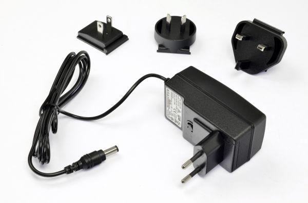 optrel® e3000X Ladegerät mit allen Primärsteckern (EU/AUS/UK/US)