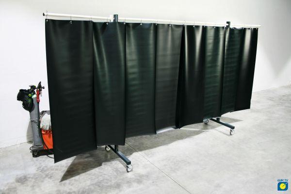 SST8 Schutzwand mit Schwenkarm 2,0 x 3,9 m, PVC-Lamellen, grün R9